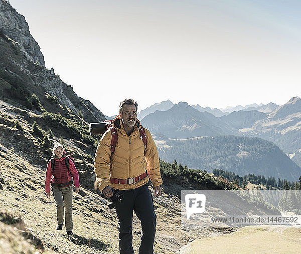 Austria  Tyrol  couple hiking in the mountains