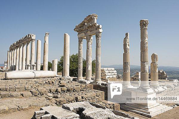 Türkei  Bergama  Akropolis  Tempel  Trajaneum
