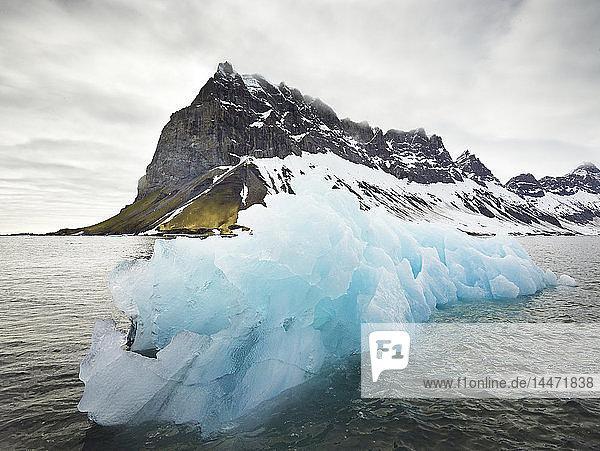 Norwegen  Spitzbergen  Prins Karls Forland  Eisberg