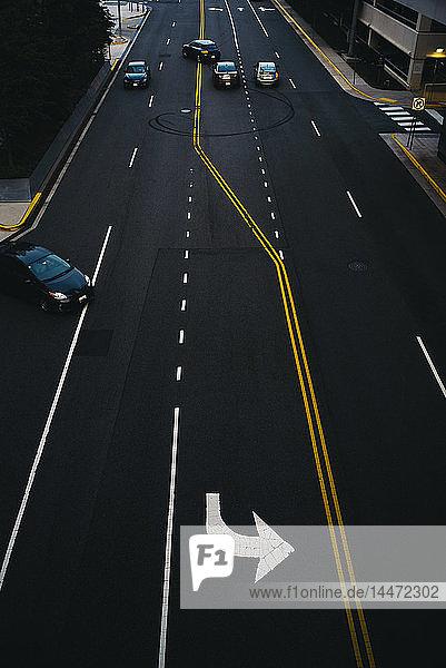 USA  Virginia  Fairfax County  Tysons Corner  erhöhter Blick auf eine Straße