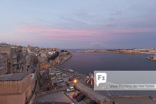 Malta  Valletta  Old town  afterglow