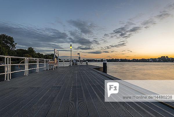 Germany  Hamburg  Rabenstrasse pier at sunrise