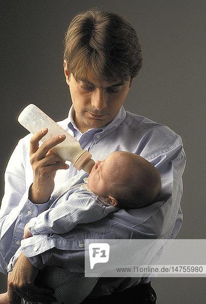 FATHER & NEWBORN