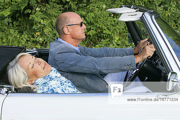 COUPLE IN THEIR 50S  OUTSIDE
