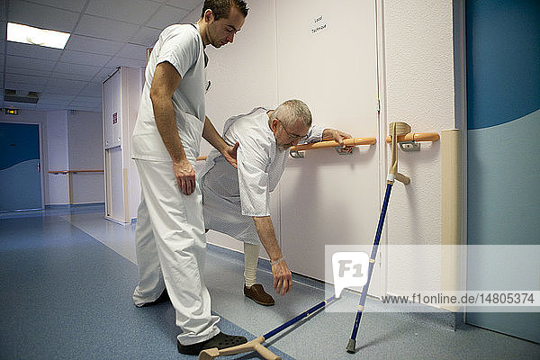 REHABILITATION  ELDERLY PERSON