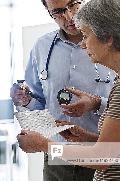 CONSULTING FOR DIABETES ELDERLY.