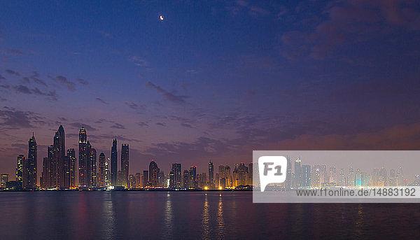 Skyline  Dubai Marina  Vereinigte Arabische Emirate