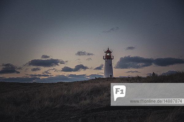 Deutschland  Sylt  Nationalpark Schleswig-Holsteinisches Wattenmeer  Dünenlandschaft  Ellenbogen  Leuchtturm List Ost  Abendlicht