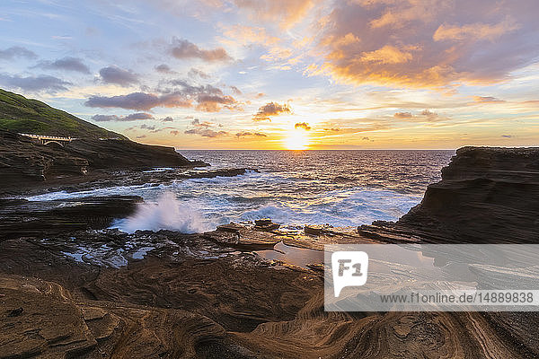 USA  Hawaii  Oahu  Lanai  Pacific Ocean at sunrise