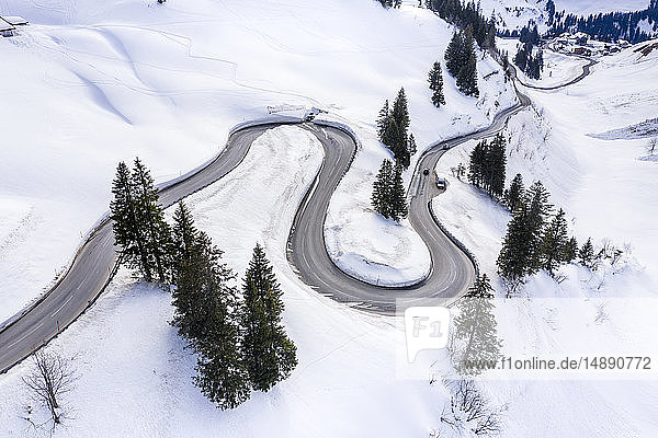 Österreich  Vorarlberg  Allgäuer Alpen  Winter am Hochtannbergpass