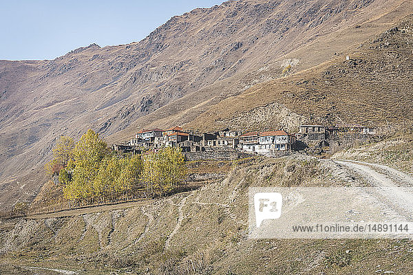 Georgien  Großkaukasus  Dorf im Sno-Tal