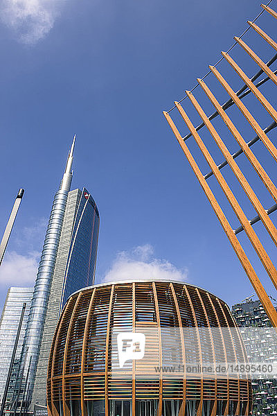 Italy  Lombardy  Milan  Gae Aulenti square  Unicredit Tower and Pavillon