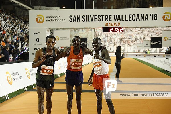 HADI (left)  KIPLIMO and BUSHENDICH. Every December 31  since 1964  Madrid hosts the most multitudinous athletic event in Spain: San Silvestre Vallecana. Sport and party come together in a race 10 kilometers away on Dec 31  2018 in Madrid  Spain