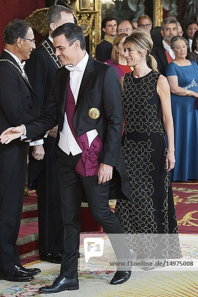 Pedro Sanchez  Prime Minister  Begona Gomez attends a gala Dinner honouring President of Peru and wife at Royal Palace on February 27  2019 in Madrid  Spain