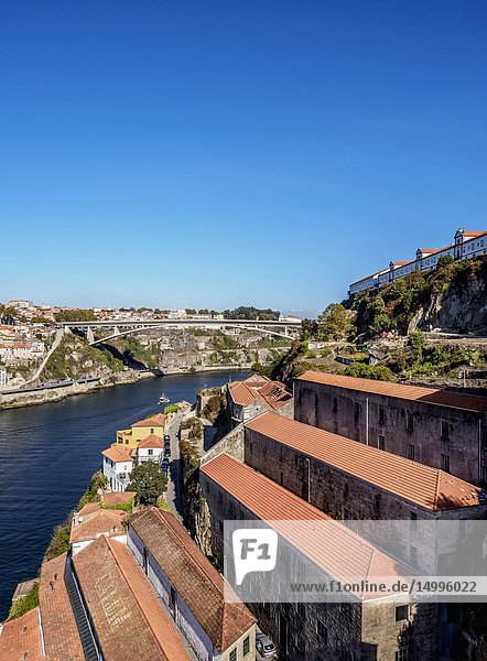 Houses on the bank of River Douro  Vila Nova de Gaia  Porto  Portugal.