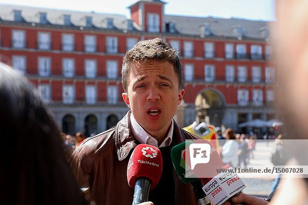 Iñigo Errejon seen attending to the media. The candidate of 'Mas Madrid' to the Community,  Iñigo Errejon,  visits the exhibition 'Madrid,  how good you are!' from photographer Javier Marquerie.
