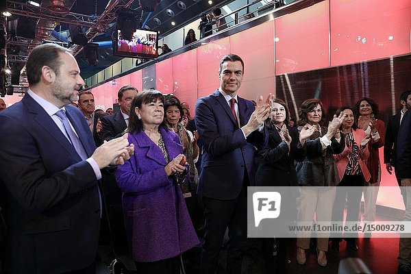 The President of the Government and Secretary General of the PSOE  Pedro Sanchez(C)  presents the electoral campaign of the Socialists.
