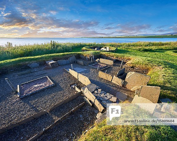 The recessed box beds and harth of one of the 8 houses of the Neolithic Barnhouse Settlement archaeological site  circa 3000 BC  Loch of Harray  Orkney Mainland  Scotland .