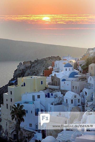 Houses in Oia at twilight  Santorin  Greece  Europe.