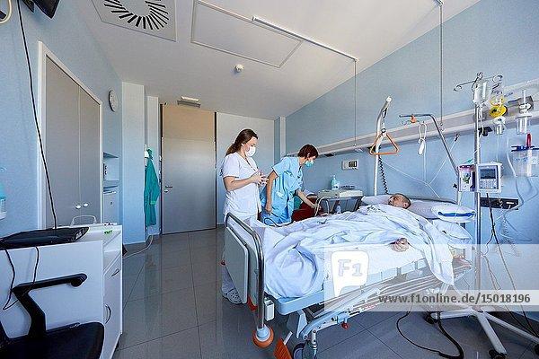 Patient  isolation room  Sterile area  Transplant unit  Hematology  Hospital Donostia  San Sebastian  Gipuzkoa  Basque Country  Spain