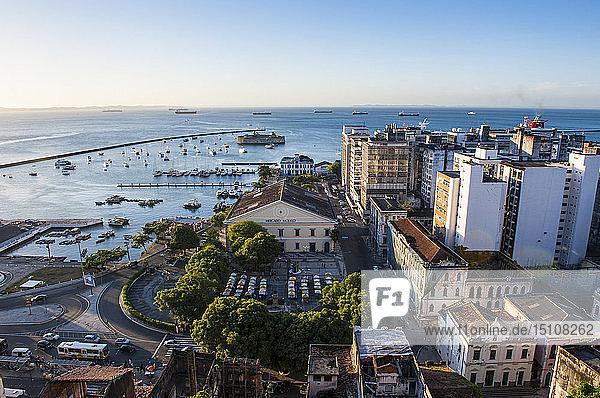 Ausblick vom Pelourinho über den unteren Teil der Altstadt  Salvador da Bahia  Brasilien