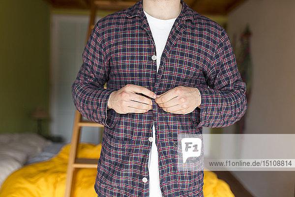 Mann Dressing-Pyjama
