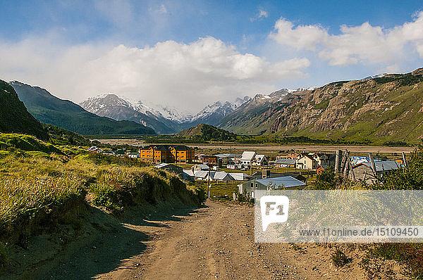 Panorama of El Chalten  Los Glaciares National Park  Argentina  South America