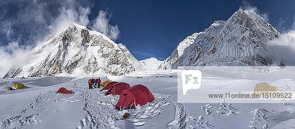 Nepal  Solo Khumbu  Everest  Camp at Western Cwm