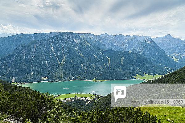 Österreich  Tirol  Maurach  Achensee  Achensee  Rofan  Rofangebirge