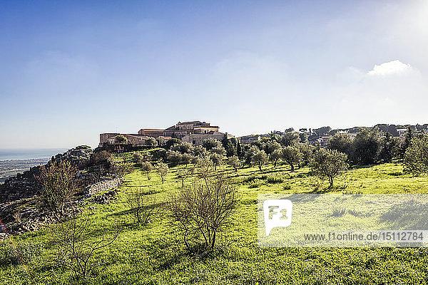 Italien  Sizilien  Provinz Syrakus  Hotel Eremo Madonna delle Grazie auf dem Gipfel eines Berges  ehemaliges Kloster