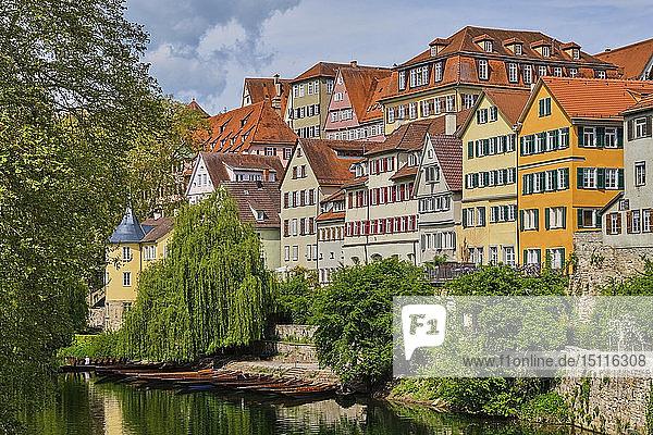 Häuser am Neckar und Hölderlinturm  Tübingen  Baden-Württemberg  Deutschland