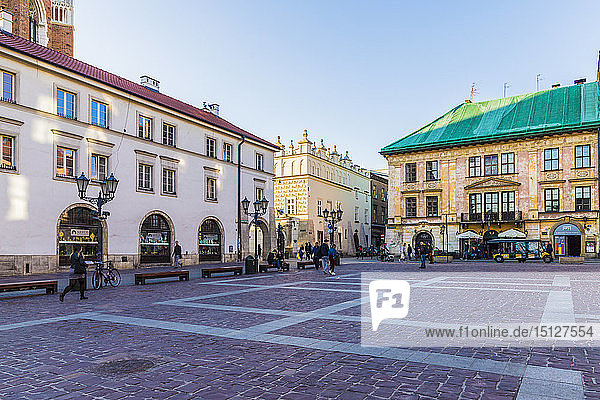 Little Market Square (Maly Rynek)  in the medieval old town  UNESCO World Heritage Site  Krakow  Poland  Europe