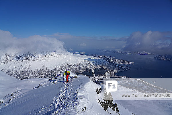 Ski touring in the Lyngen Alps  Lyngseidet  Lyngen peninsula  Troms County  Norway  Scandinavia  Europe