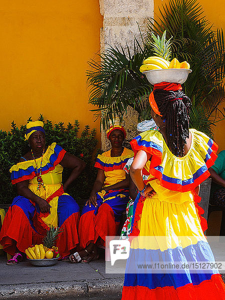 Palenqueras (fruit sellers)  Old Town  Cartagena  Colombia  South America