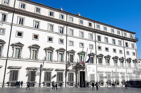 Palazzo Chigi (residence of the Prime Minister of the Italian Republic)  Piazza Colonna  Rome  Lazio  Italy  Europe