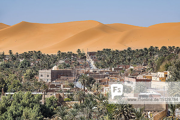 View over the palm oasis of Beni Abbes  Sahara  Algeria  North Africa  Africa