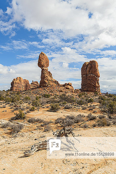 Balanced Rock  Arches National Park  Moab  Utah  United States of America  North America