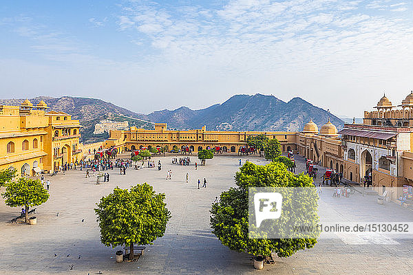 Amer (Amber) Palace and Fort  UNESCO World Heritage Site  Amer  Jaipur  Rajasthan  India  Asia