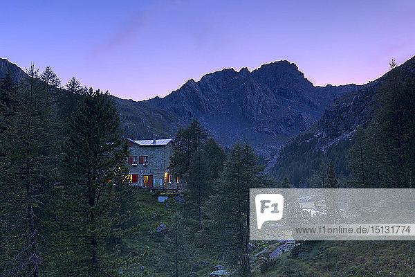Sunset at the Bosio alpine hut  Valmalenco  Valtellina  Lombardy  Italy  Europe