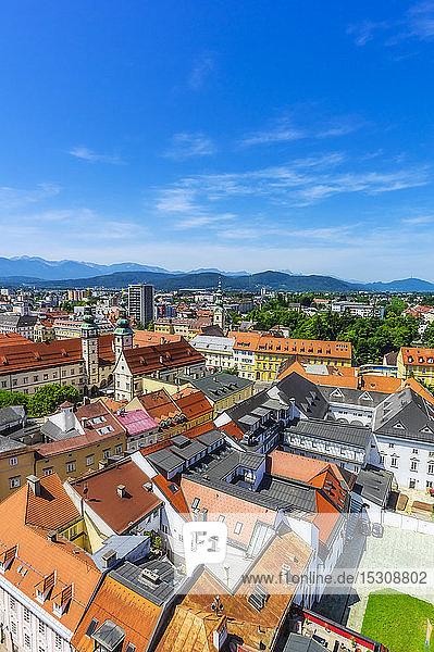 Ã-sterreich KÃ?rnten KlagenfurtamWorthersee  Hochwinkelansicht der Altstadt