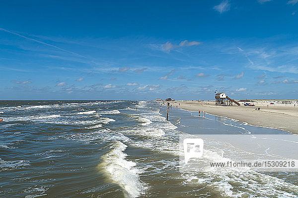 Deutschland  Schleswig-Holstein  Sankt Peter-Ording  Wind und Flut an der Nordsee