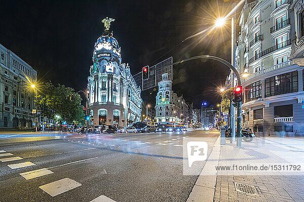 Circulo De Bellas Artes mit Edificio Metropolis an der Gran Via  Madrid  Spanien