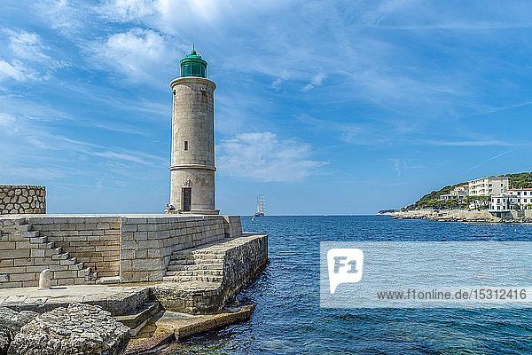 France  Provence-Alpes-Cote d'Azur  Bouches-du-Rhone  Cassis  Harbour  Lighthouse