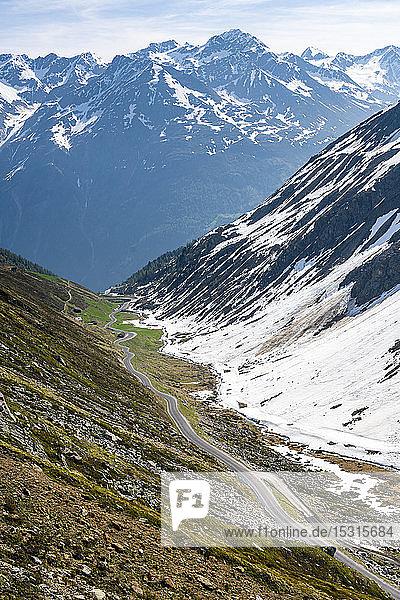 Straße zum Rettenbachgletscher  Sölden  Ötztal  Tirol  Österreich