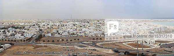 Panoramablick auf die Stadt Sur  Oman