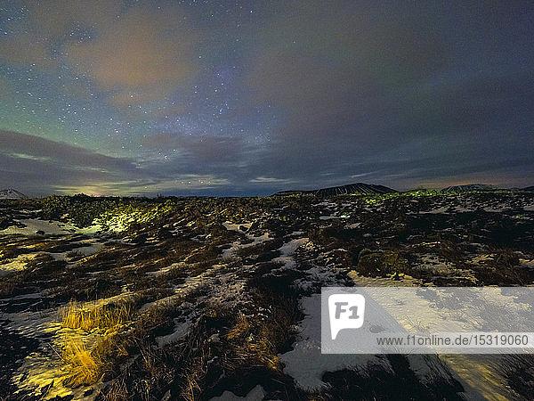 Island  Region Myvatn bei Nacht mit Nordlicht