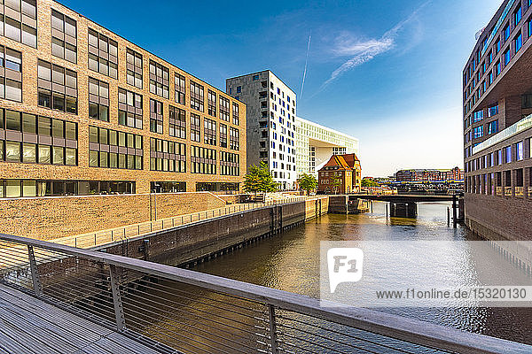 Moderne Gebäude in der Hafencity  Hamburg  Deutschland