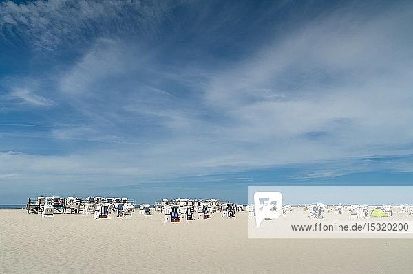 Deutschland  Schleswig-Holstein  Sankt Peter-Ording  Strand mit Strandkörben