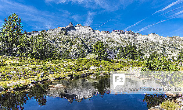 France  Hautes-Pyrenees  Haute Vallee d'Aure  Neouvielle National Nature Reserve  Neouvielle (or Aubert) peak  2863 meters high and the Aumar lake