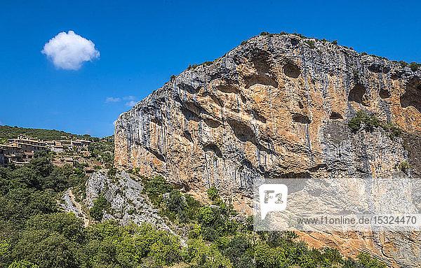 pain  autonomous community of Aragon  Sierra y Cañones de Guara natural park  canyon of the Vero river at Alquezar (UNESCO World Heritage for the rock sites art)